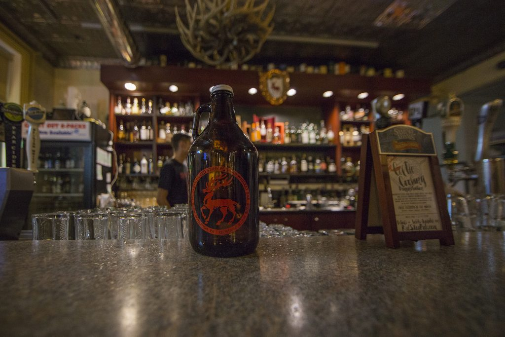Red Stag Pub Growler